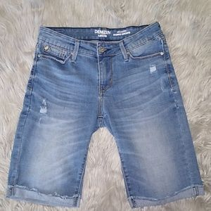 Denizen from Levi's modern skinny shorts.